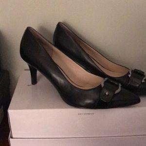 Never worn Nine West pumps. Black, size 9,5